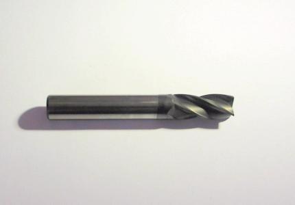 Fraise à   revêtement nano diamant pour l'usinage de l'aluminium, des composites et du graphite.